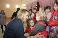 Руфина Шагапова поздравила жителей п. Новые Черкассы с днем матери